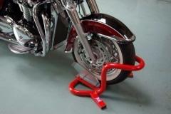 Giant cruiser motorcycle wheel chock